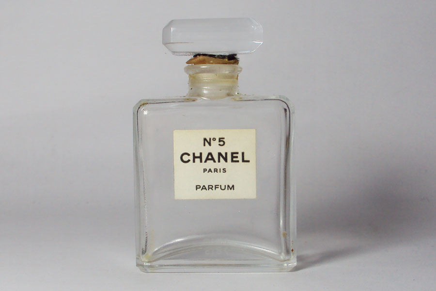 flacon de parfum chanel n 5 flacon du parfum 7 5 ml vide collection parfum. Black Bedroom Furniture Sets. Home Design Ideas